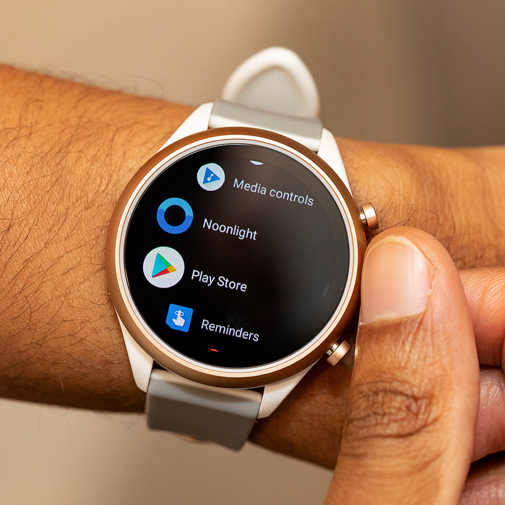 Fossil Sport Smartwatch review: new watch, same old tricks