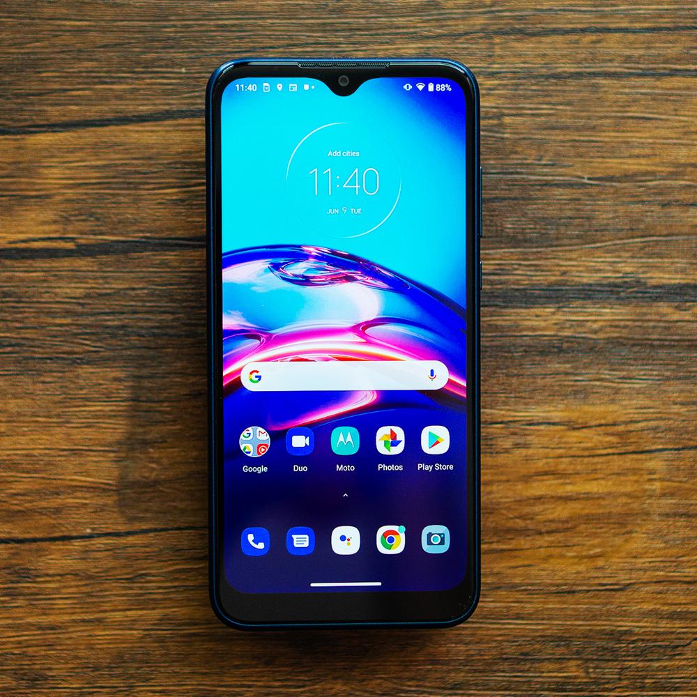 Motorola Moto E (2020) and Moto G Fast review: smartphone ...