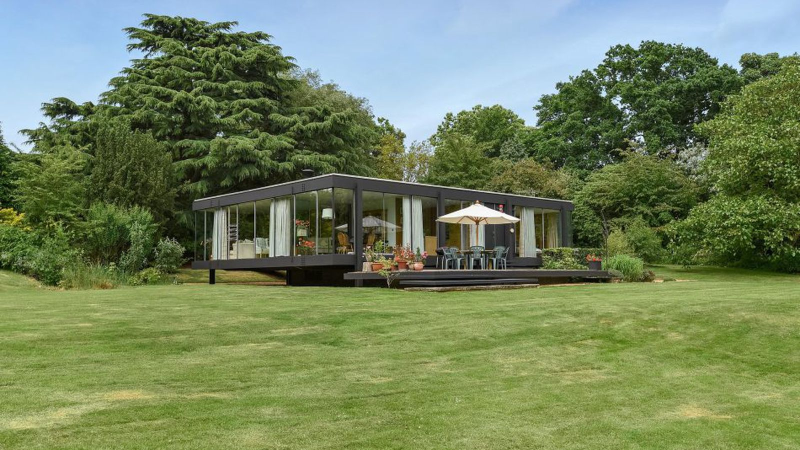 Historic Floating Glass House In England Asks 1 6m Curbed