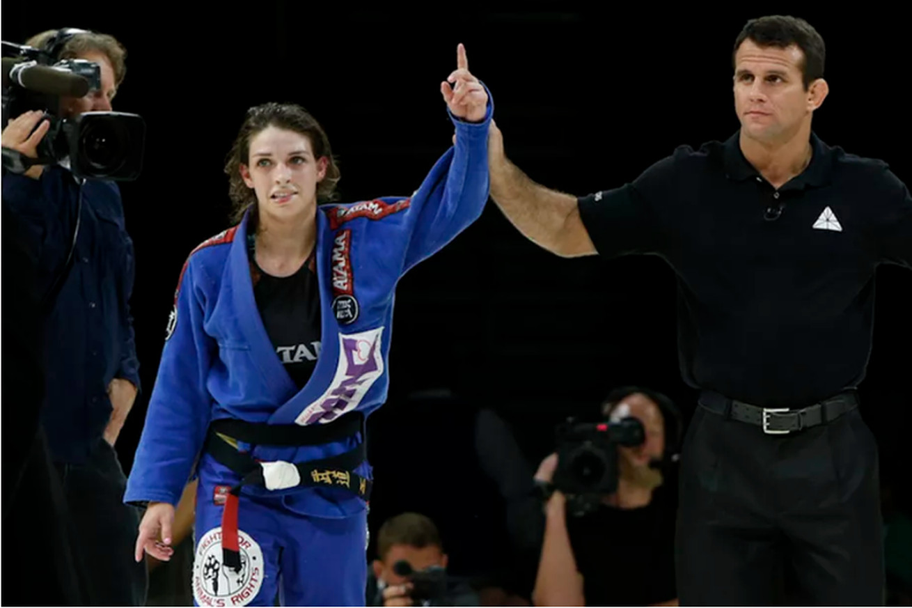 Mackenzie Dern aiming to make UFC debut in 2017