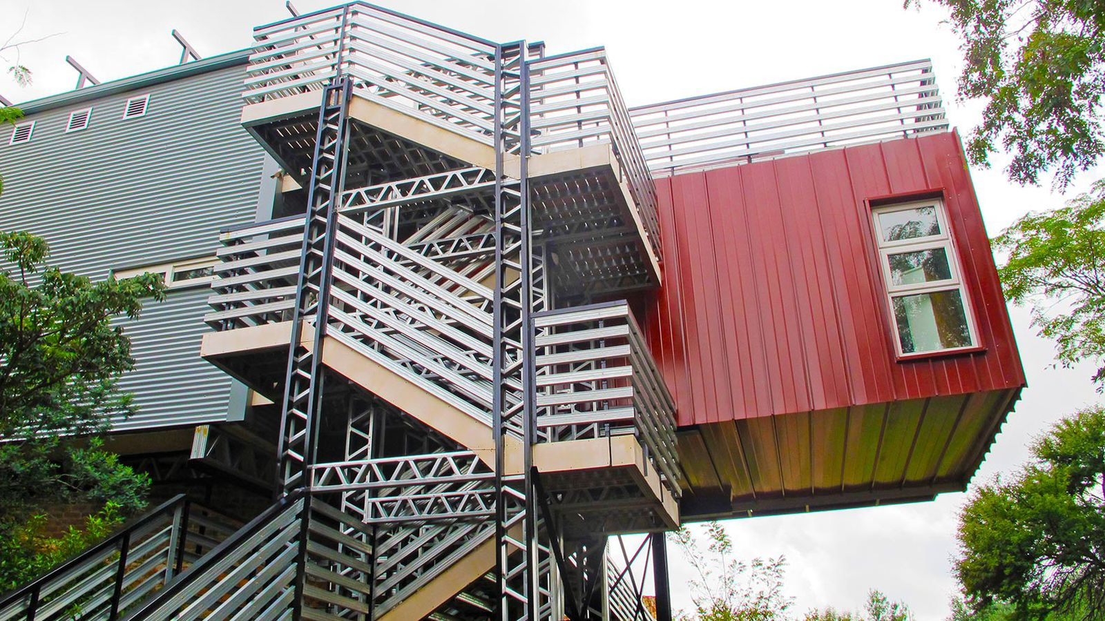 Shipping containers repurposed for off grid home in south - Container homes chicago ...
