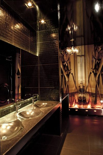 Could vanity have the best bathroom in america eater vegas for Best bathrooms vegas