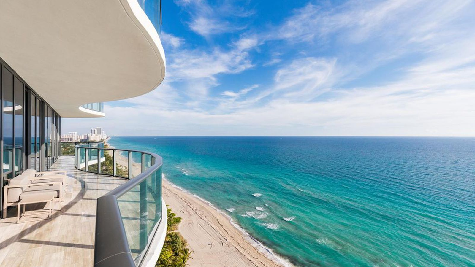 regalia residence in sunny isles beach with supreme views. Black Bedroom Furniture Sets. Home Design Ideas
