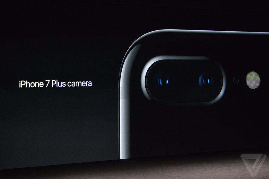 The iPhone 7 Plus has two cameras that work as one - The Verge