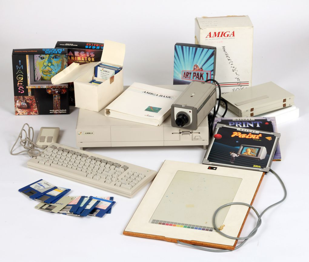 andy warhol s amiga computer art found years later the verge hint use the s and d keys to navigate