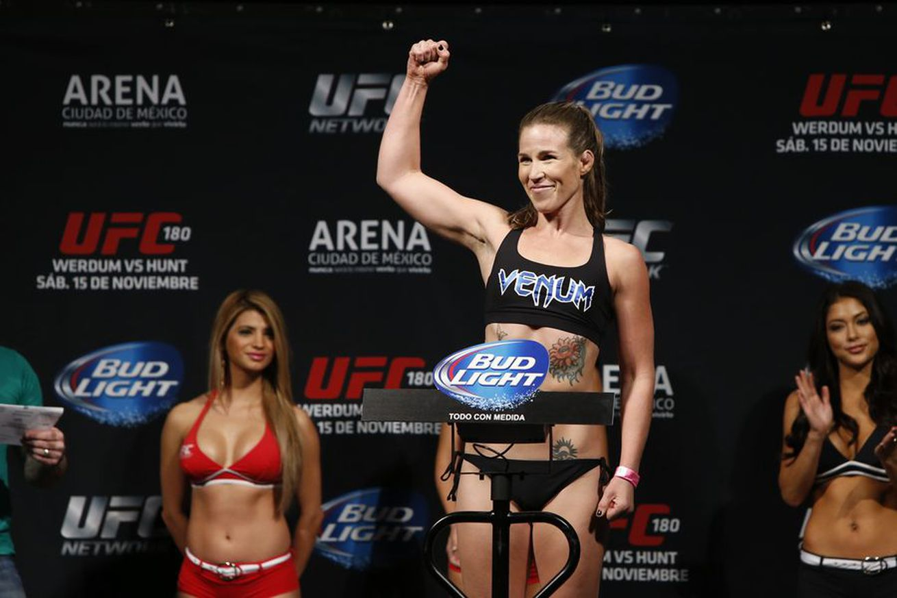 community news, Leslie Smith on facing Cris Cyborg: I seriously cant believe that nobody else wanted this fight