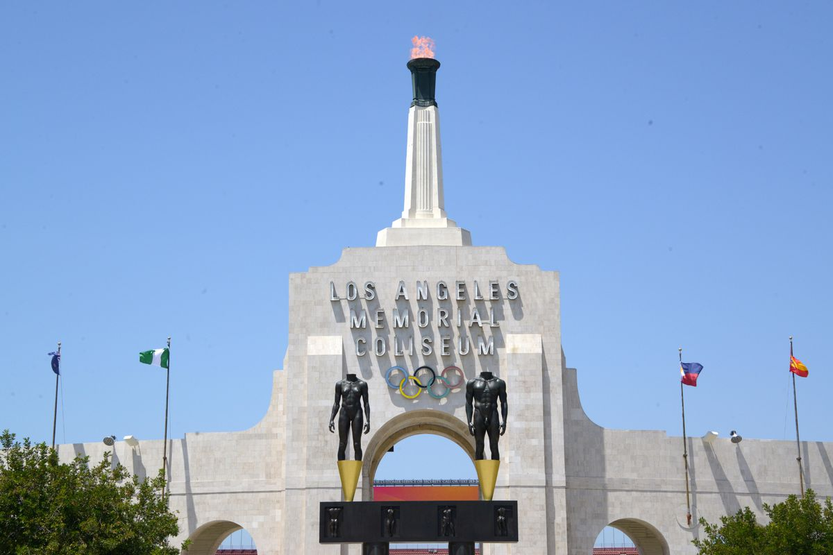 USC selling naming rights for LA Coliseum to United Airlines?