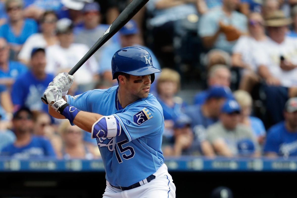 Panik singles in winning run in 11th to beat Royals