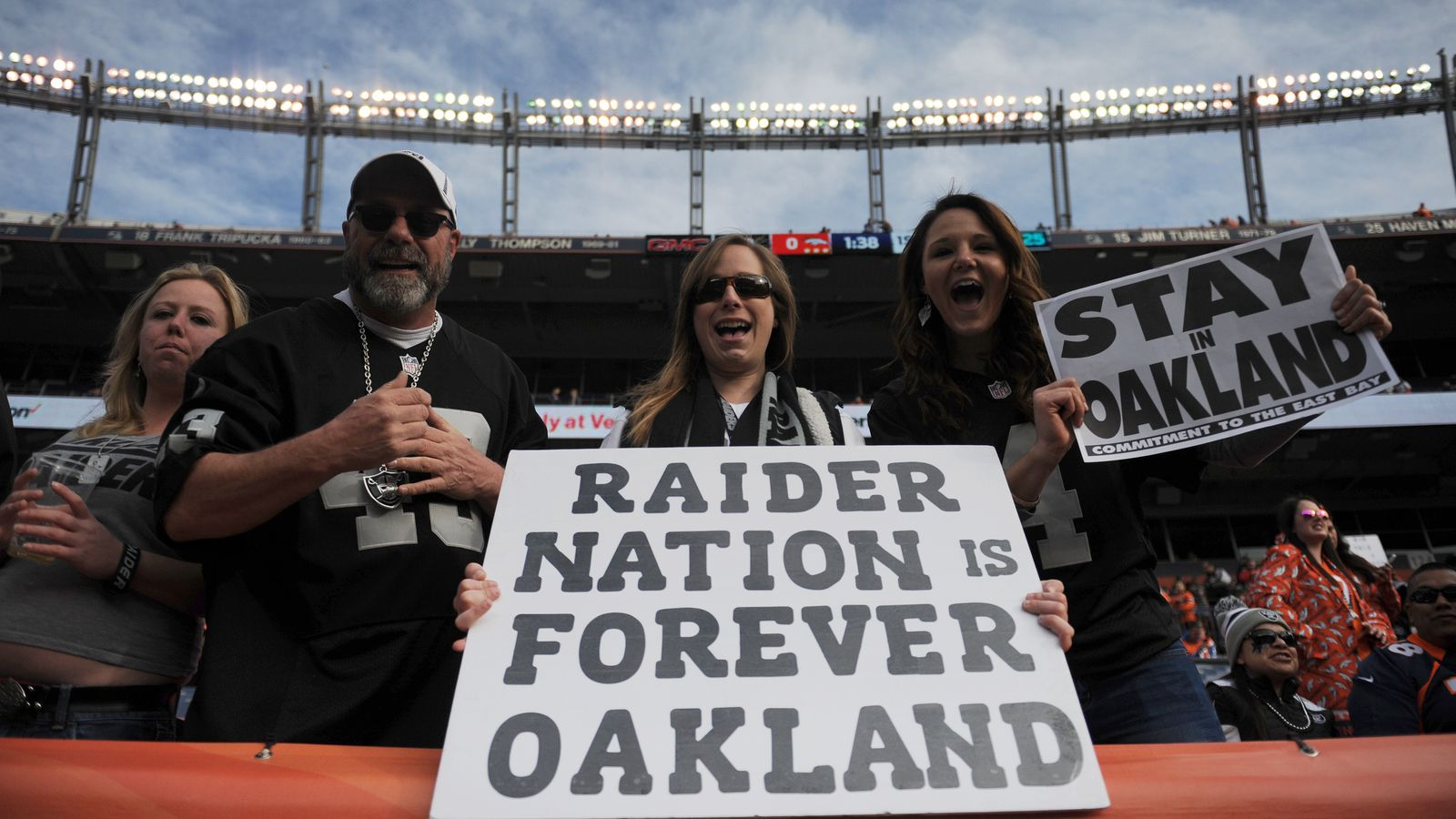 Raiders to file for relocation to Las Vegas, according to report