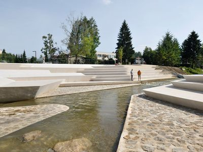 Award-winning riverside promenade provides public and green space in Slovenia