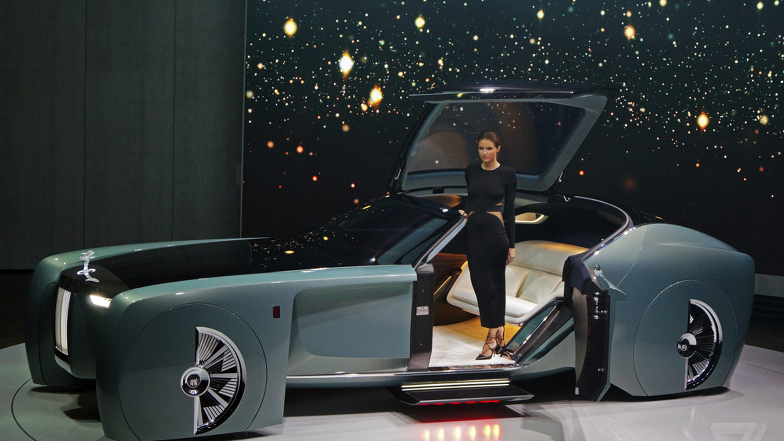 The Rolls Royce Vision 100 Concept Is Completely