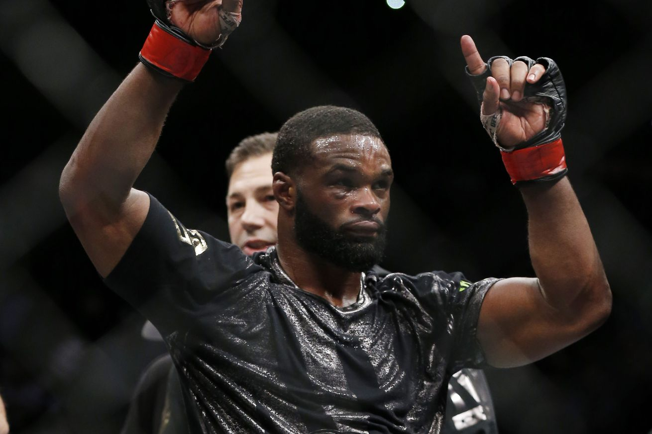 Dana White says Tyron Woodley is a drama queen, doesnt get booed because he is black