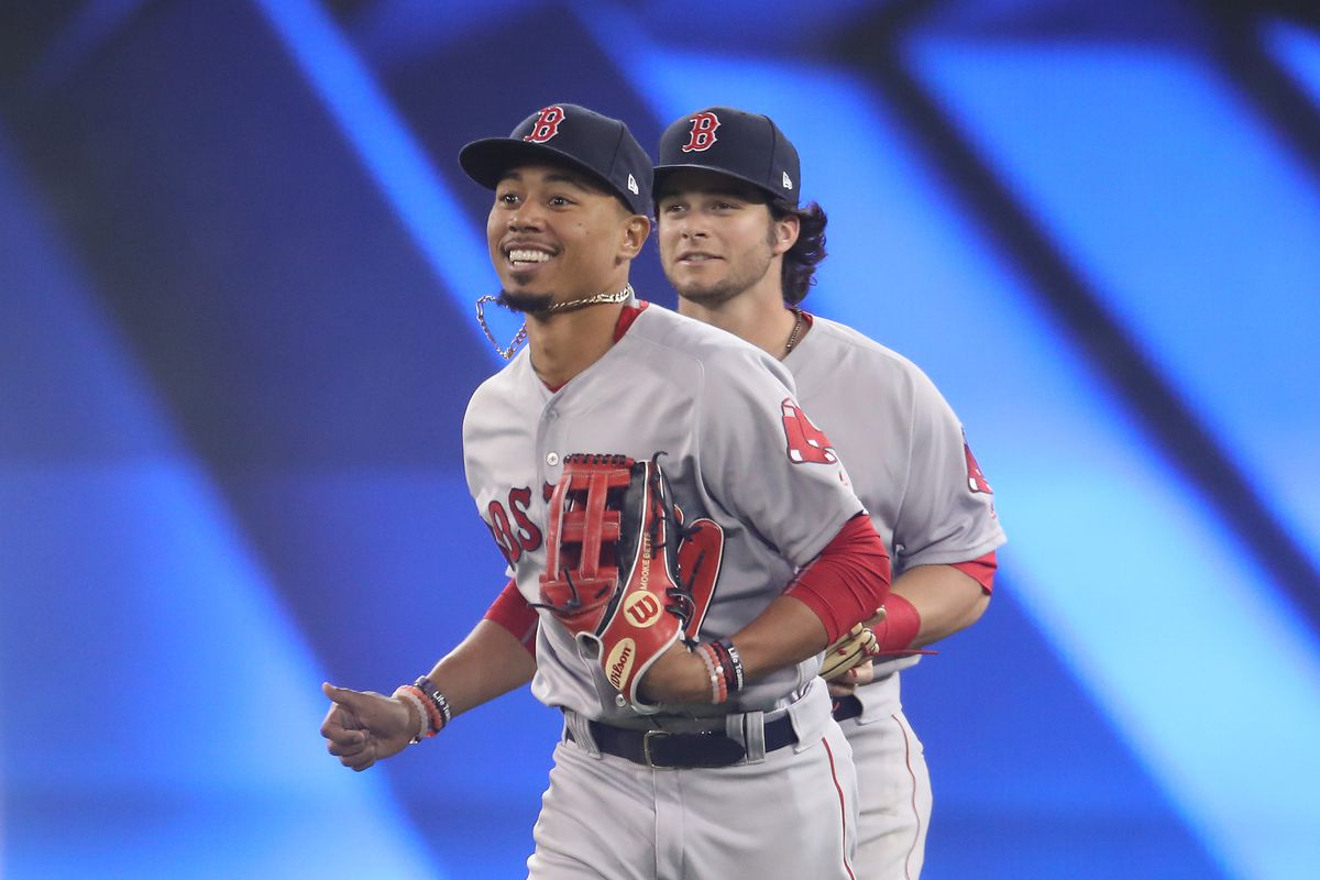 Red Sox edge slumping Blue Jays 8-7