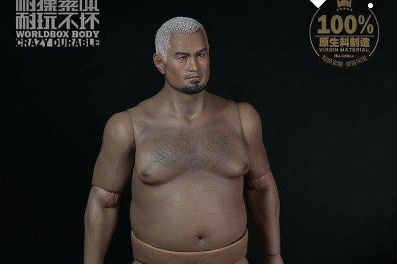 community news, Let's all stare at this pic of Mark Hunt's man boobs and plastic penis