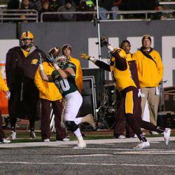 Blake Banham catching the ball.