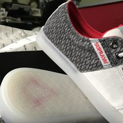 Check out the pattern on the heel and that buried icon on the sole.