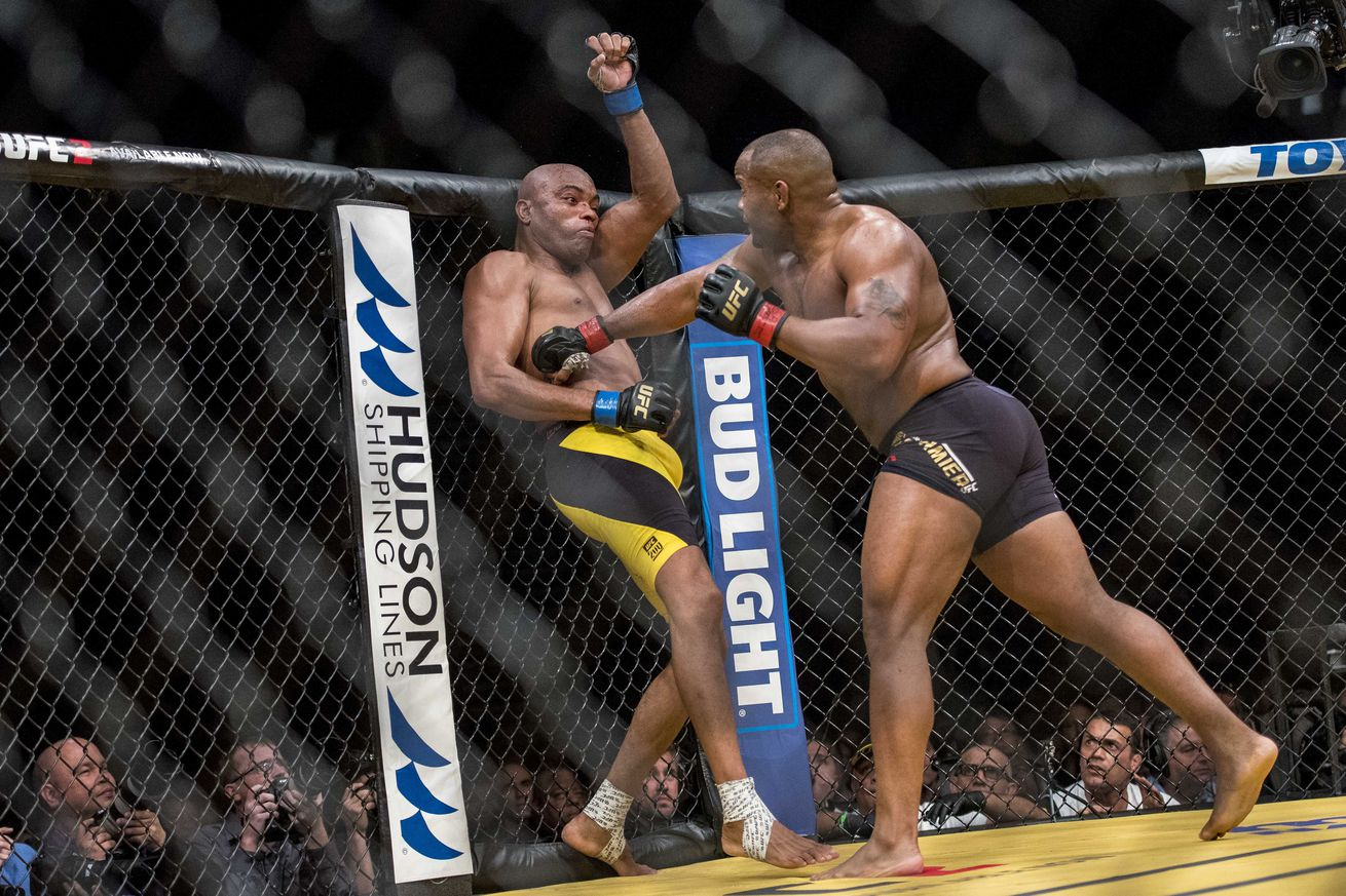 community news, UFC 210: Daniel Cormier says Anderson Silva fight was the 'easiest of his career'