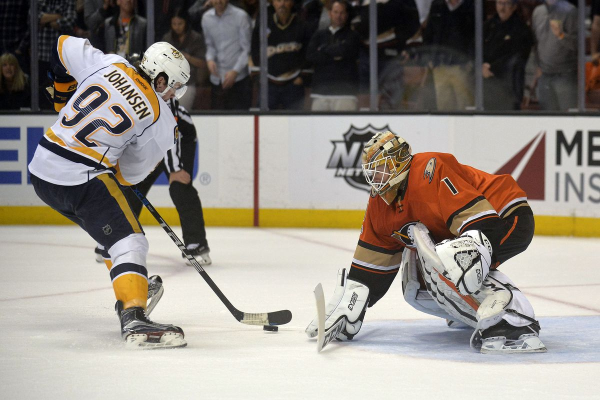 NHL Ducks, Penguins win to advance to conference finals