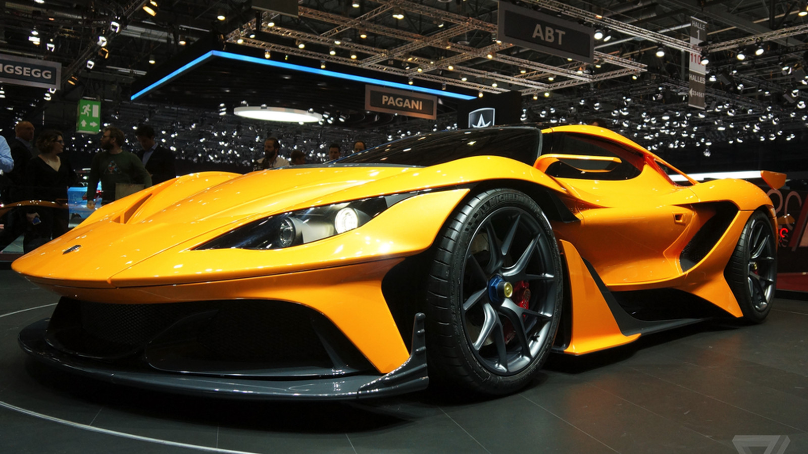 The Apollo Arrow hypercar is Gumpert's glorious ...