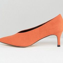 """ASOS <a href=""""http://us.asos.com/asos/asos-suzie-pointed-kitten-heels/prd/7205413?iid=7205413&affid=14174&channelref=product%20search&mk=abc&currencyid=2&ppcadref=753857714 38363260686 pla-281070005215&gclid=CPyGq-WTn9ICFReBswodlDcP_w"""">Suzie Pointed Kitten Heel</a>, $37.58"""