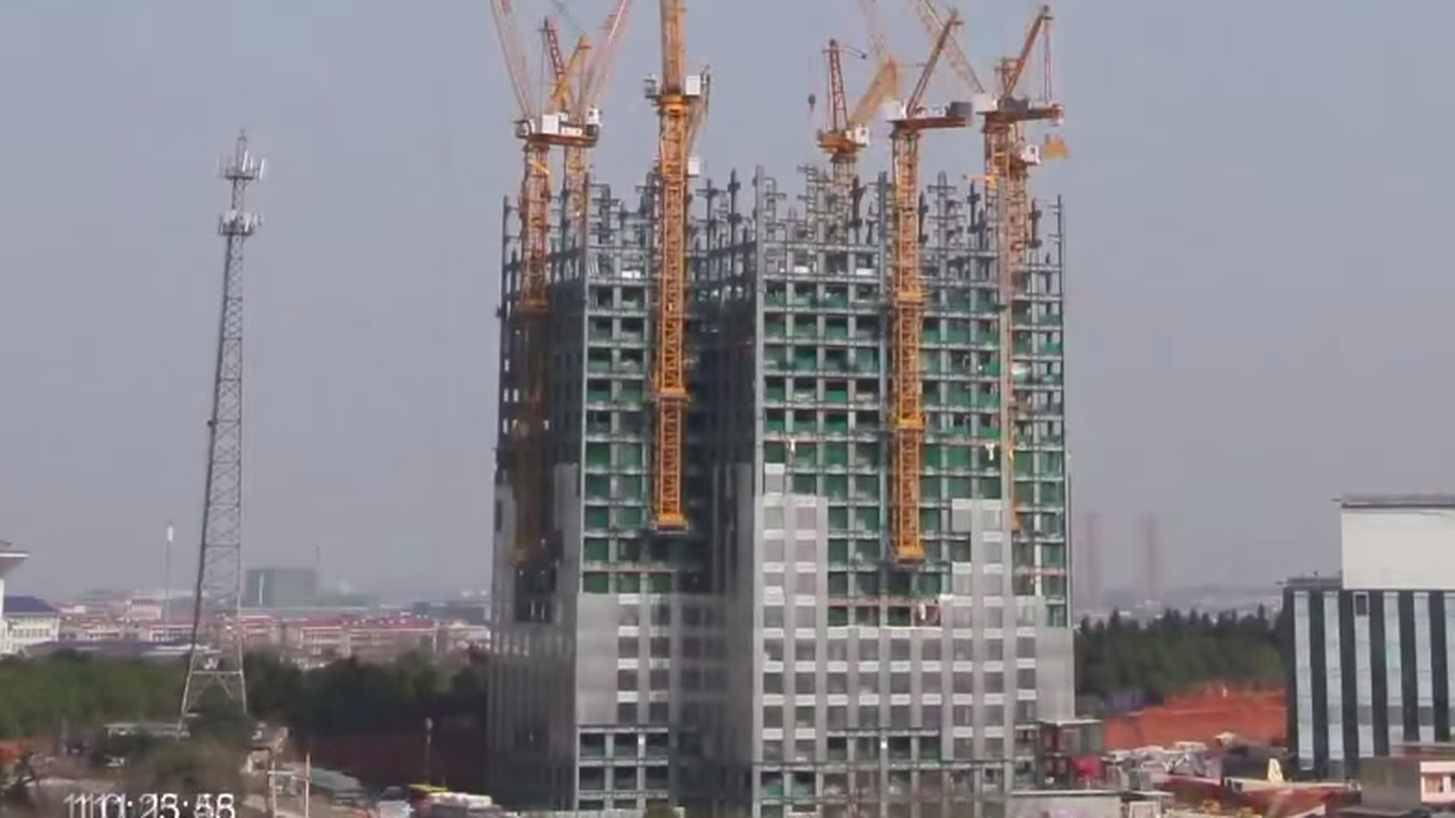 Watch This Timelapse Of A 57 Story Skyscraper Getting
