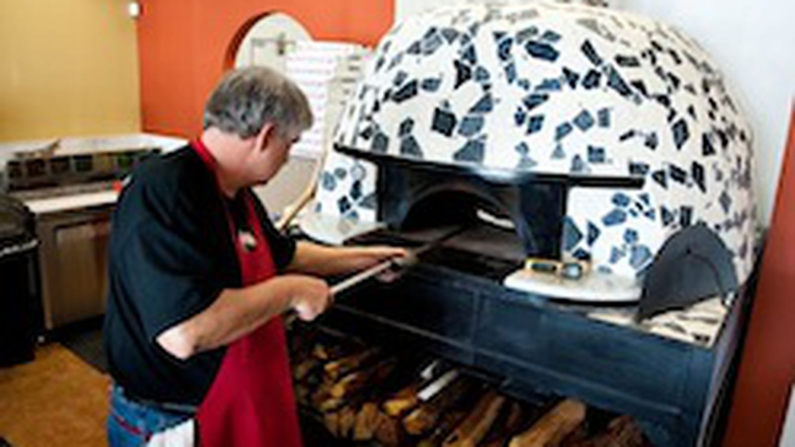 Pizaro 39 s pizza gets more pizza love at arturo boada for Arturo boada cuisine menu