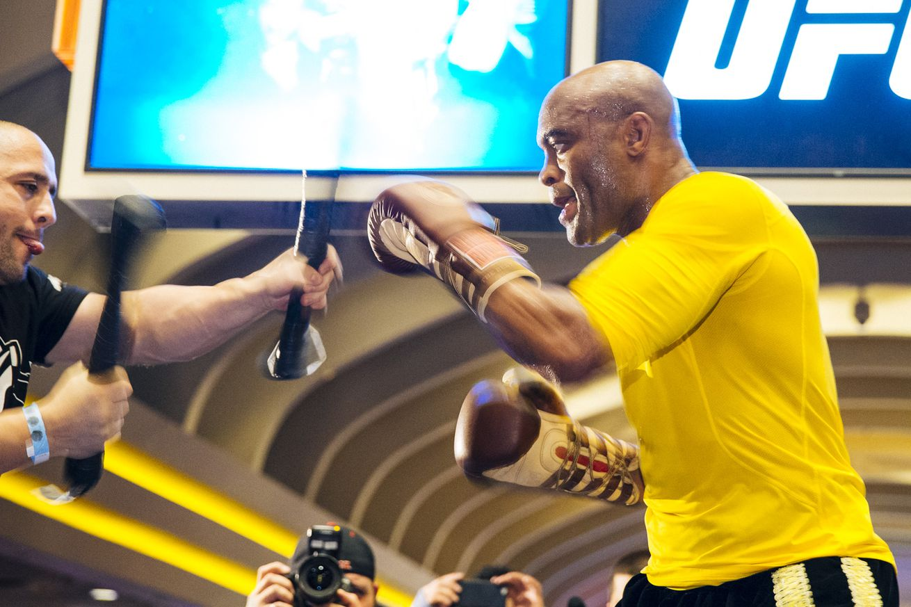 Anderson Silva, Roy Jones Jr. start campaign again for boxing match