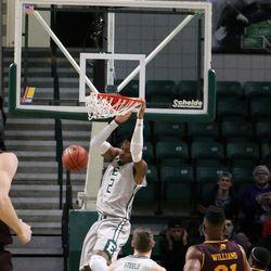 James Thompson dunks!<br>