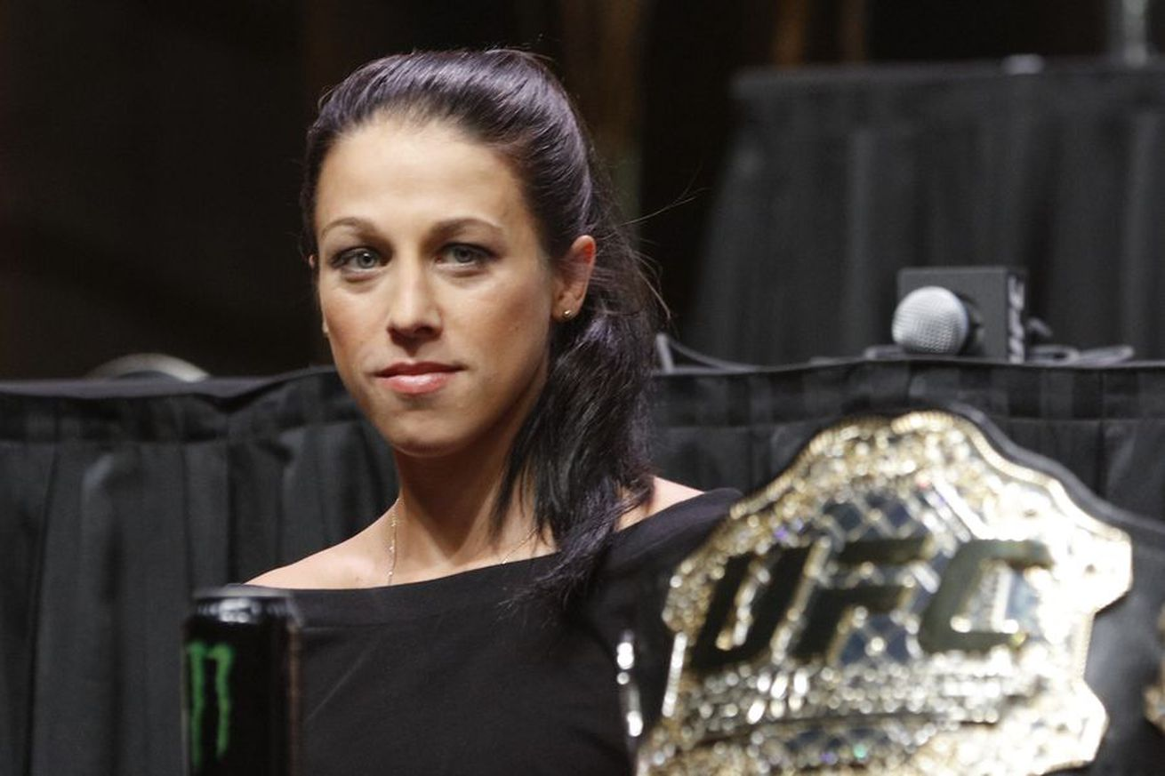 community news, Joanna Jedrzejczyk eyeing Ronda Rousey's title defense record as UFC 211 approaches