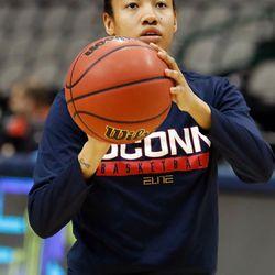 UConn's Saniya Chong<br>