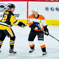 Simon Gagne and Ryan Malone having a moment