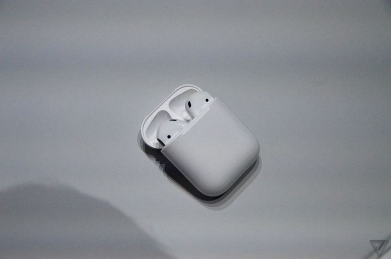 apple airpods at event