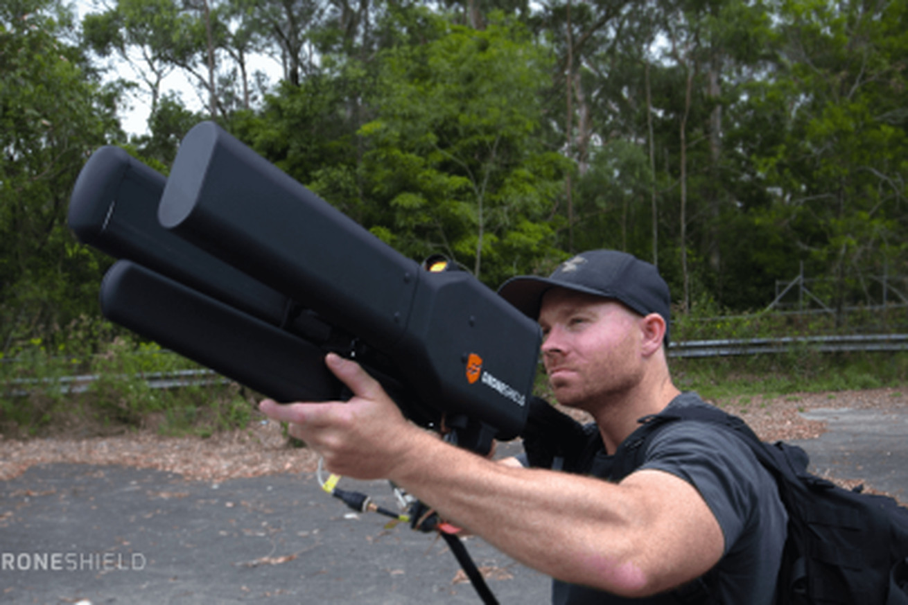the dronegun blocks radio signals to bring illegal drones down