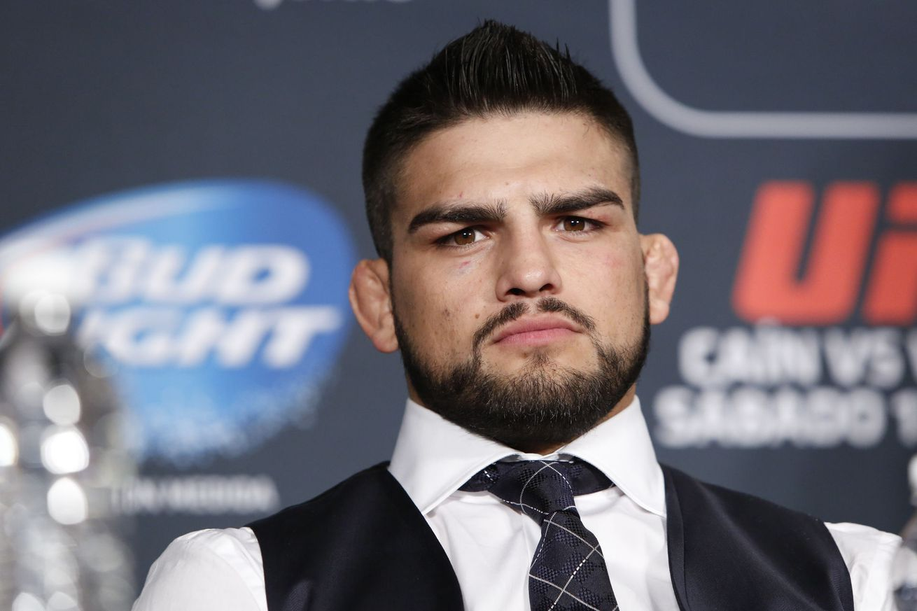 Kelvin Gastelum 'thinking about getting the 170 belt' despite 185 success