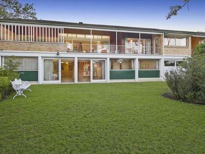 Charming midcentury time capsule with glorious views is up for auction in Australia