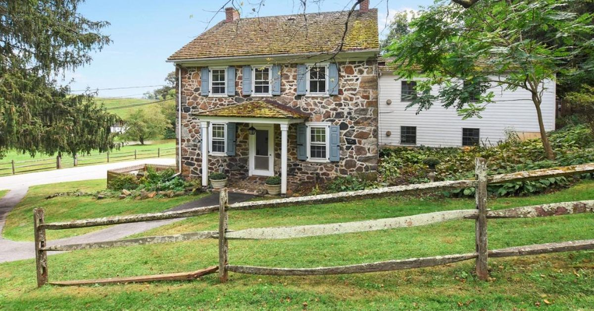 5 really old stone homes for sale in pennsylvania s for Farmhouse style homes for sale