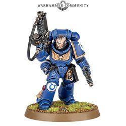 Primaris Lieutenant with auto bolt rifle