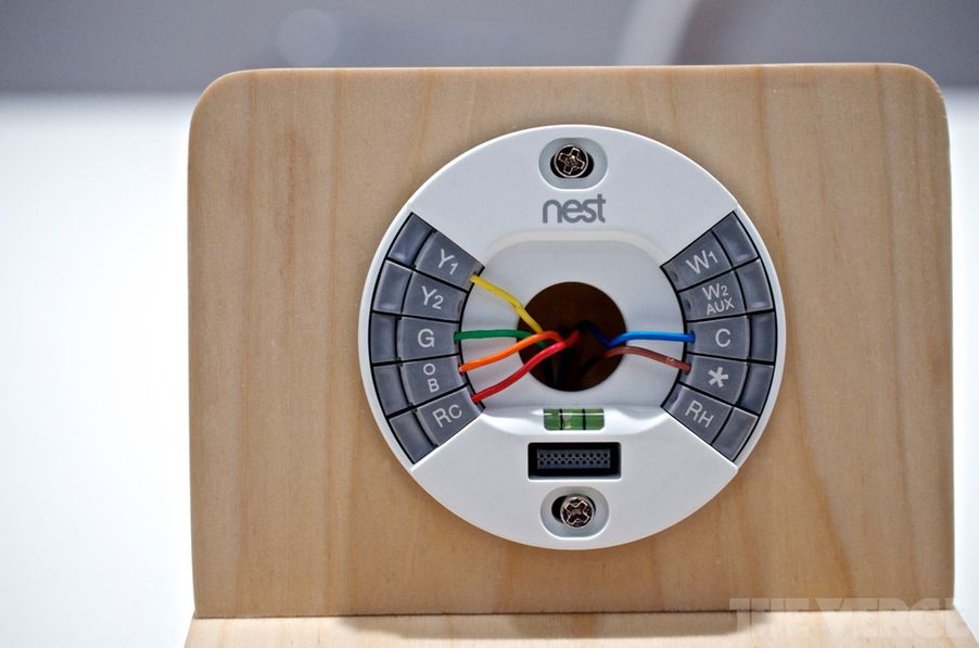 second generation nest thermostat gets slimmer more. Black Bedroom Furniture Sets. Home Design Ideas