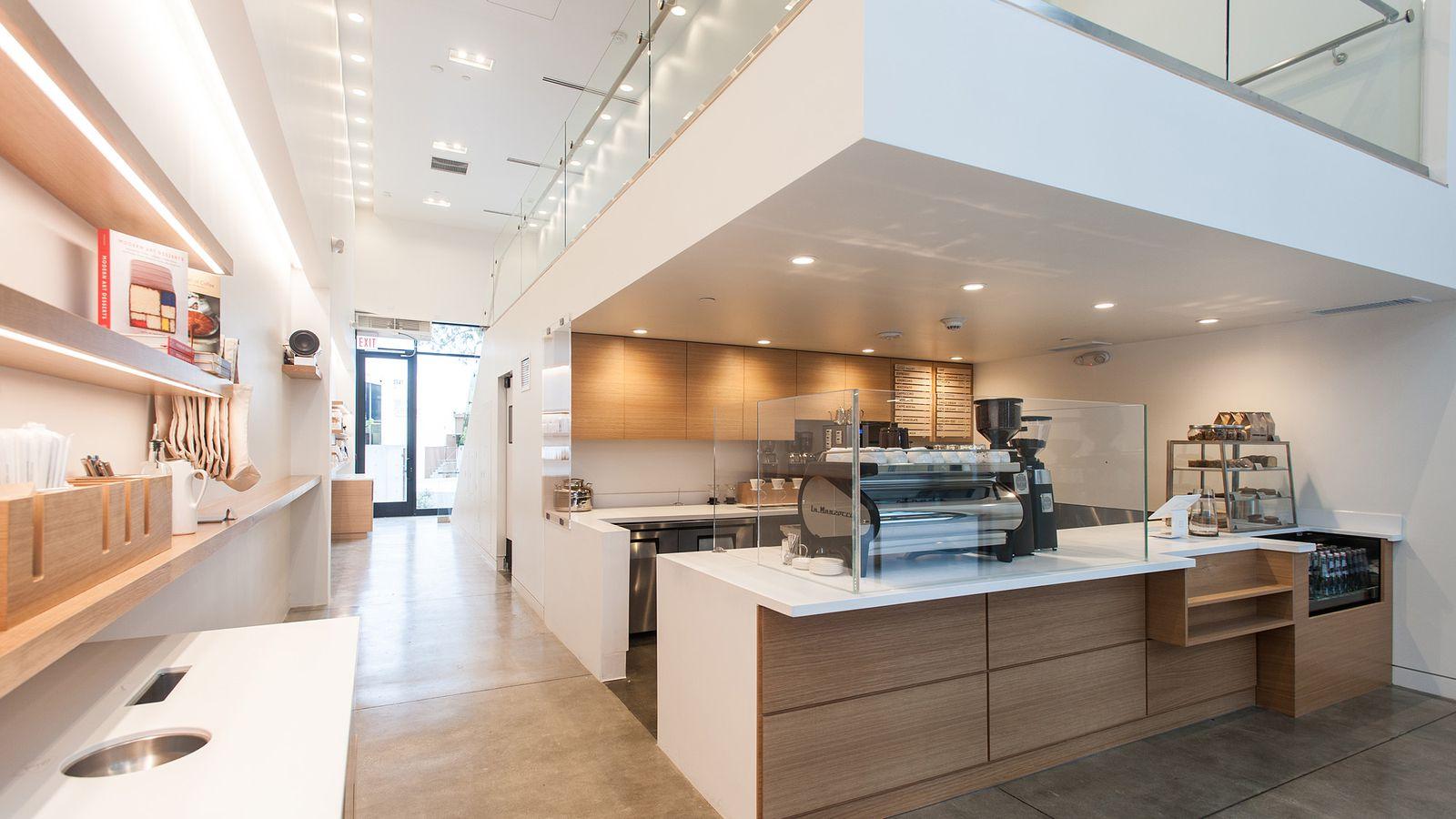 Blue Bottle Coffee S Culver City Shop Is A Minimalist Gem