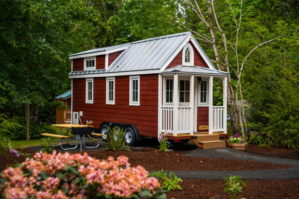 A red and white tiny home in Mt. Hood, Oregon.