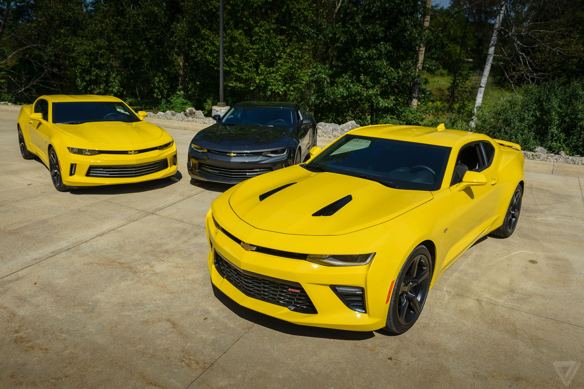 Lean Muscle Driving The Lighter Better 2016 Chevy Camaro Ss The Verge