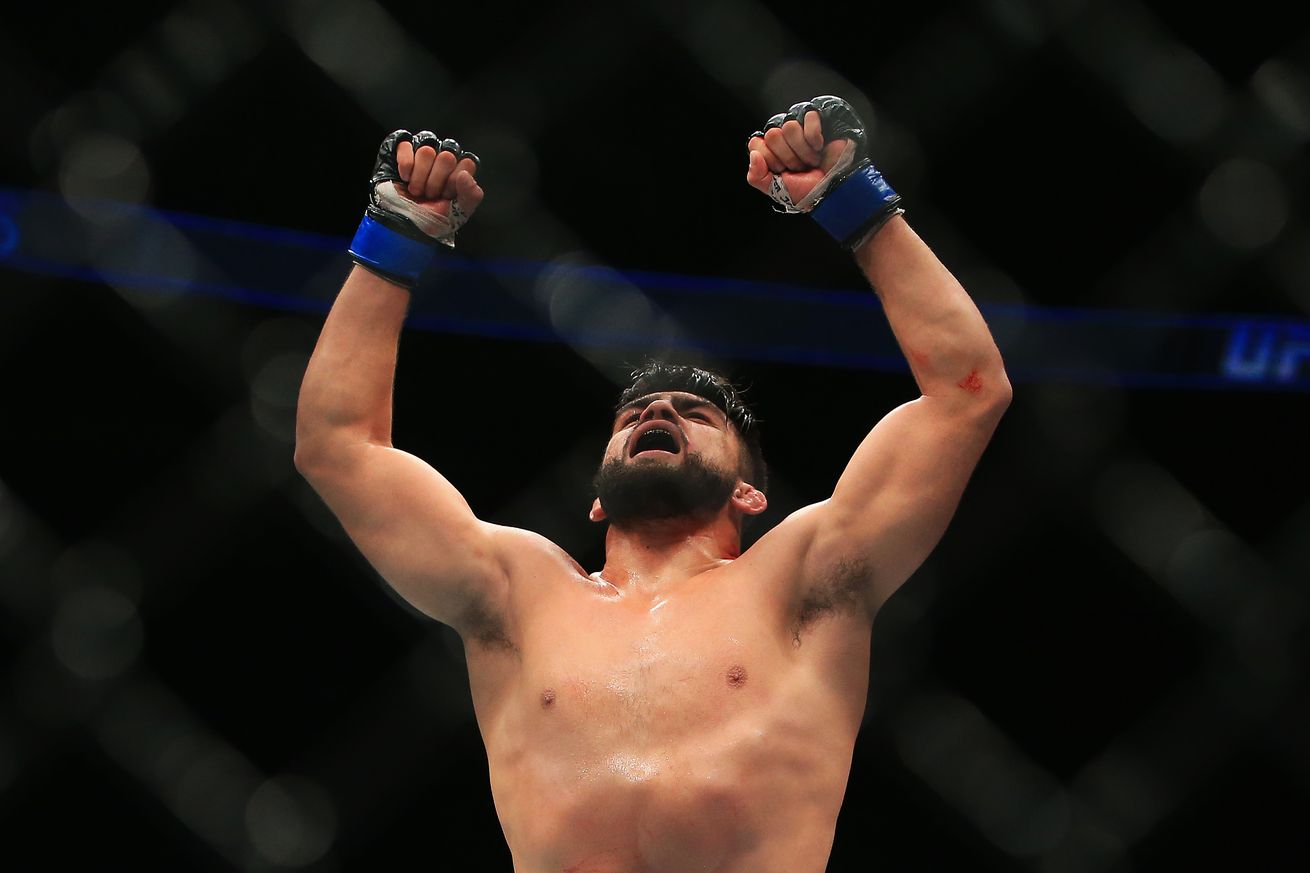 Kelvin Gastelum and Edson Barboza take home performance bonuses at UFC Fight Night Fortaleza