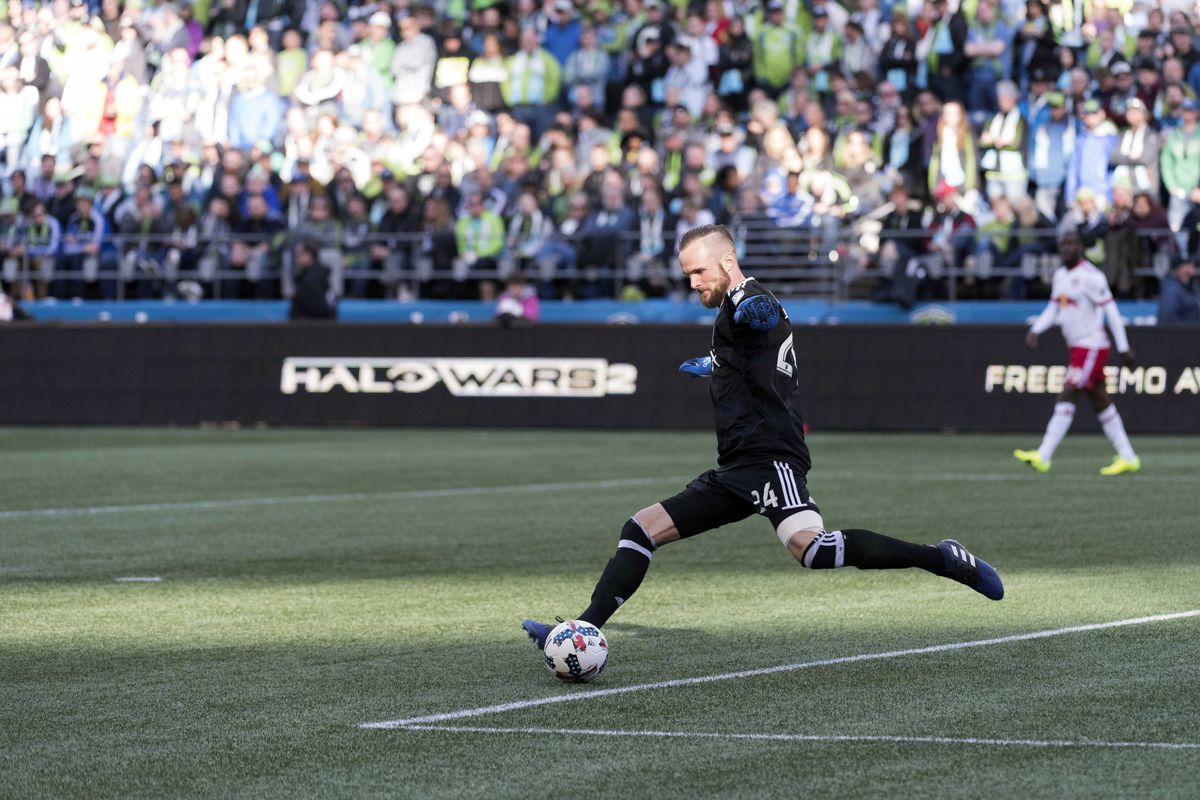 Whitecaps silence the Sounders