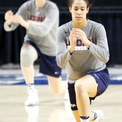 UConn's Kia Nurse warms up before their Sweet 16 practice.<br>