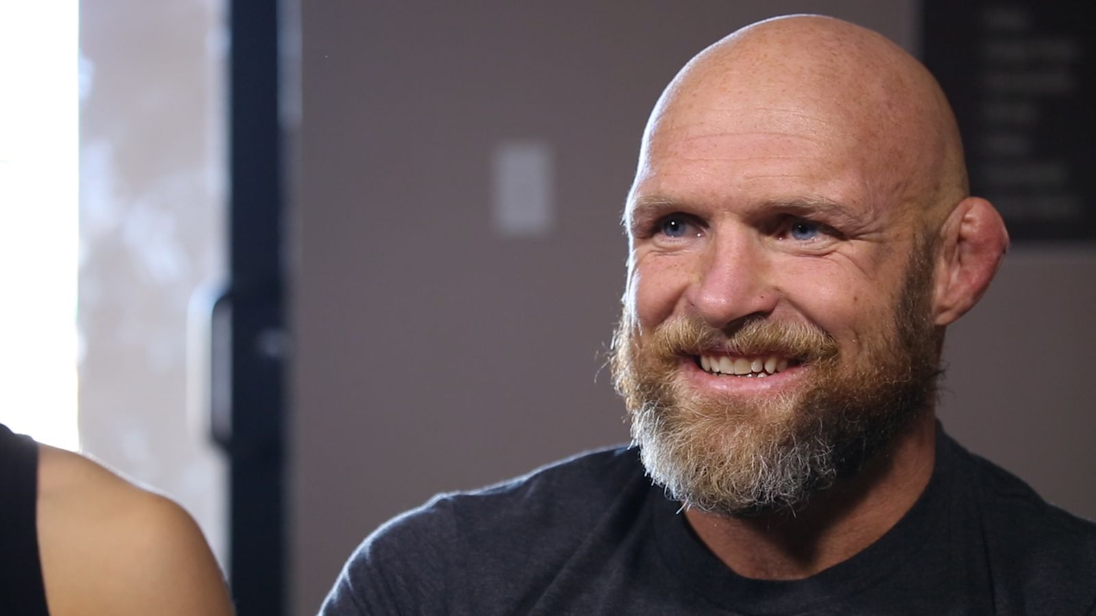 Outside the cage the jardines mma fighting for Keith jardine