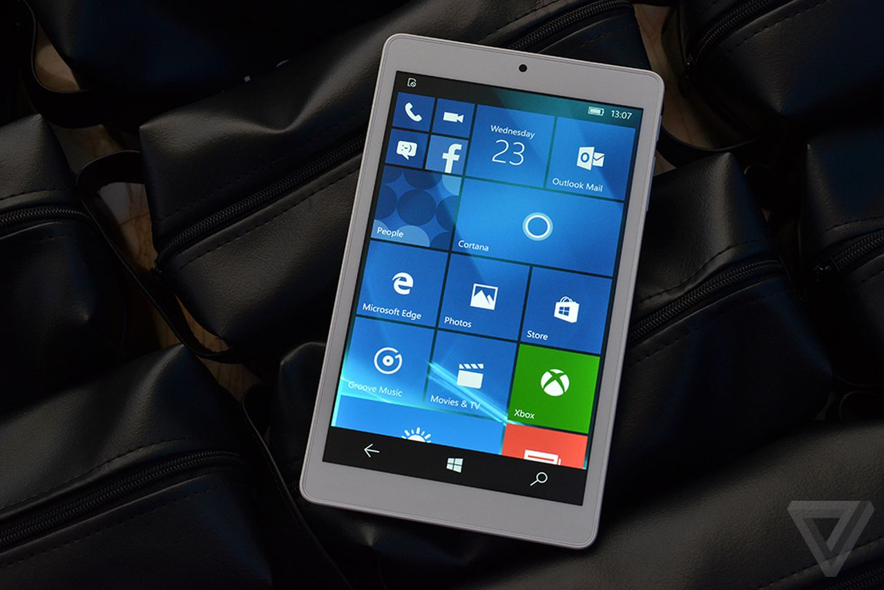 Windows 10 Mobile On An 8 Inch Tablet Looks Like A Giant