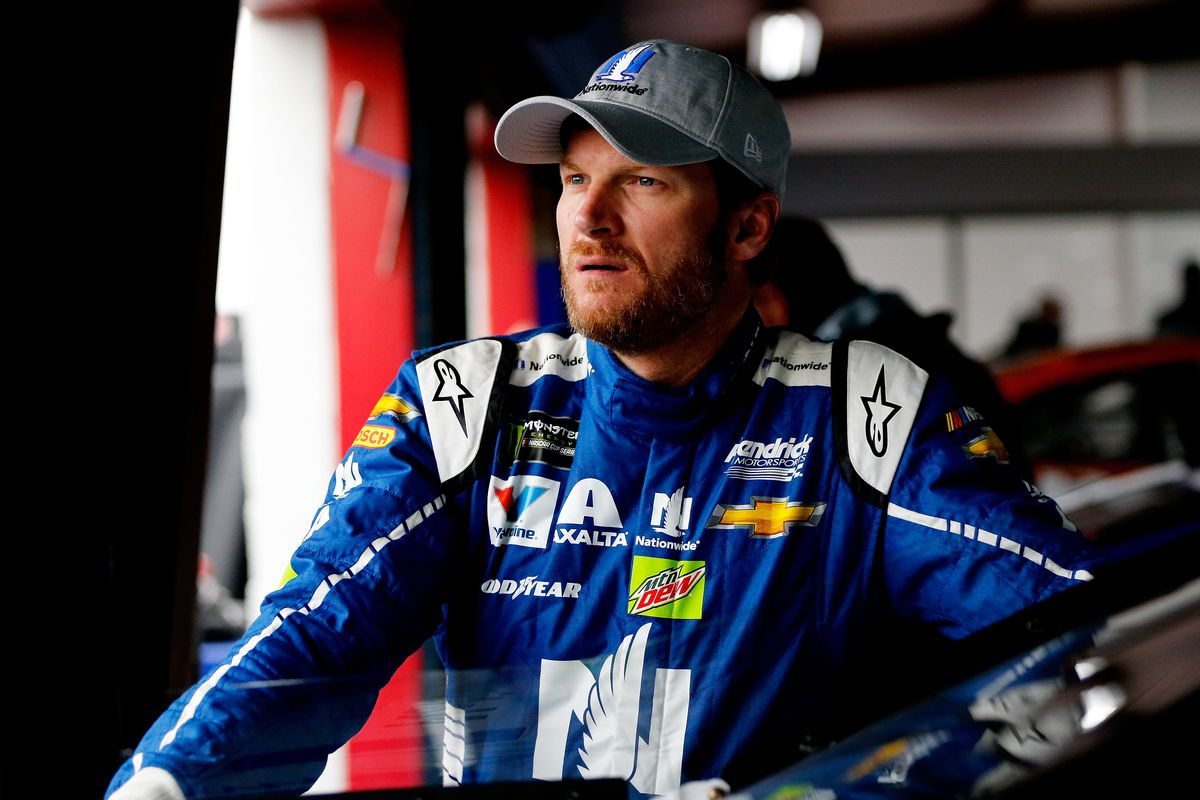 Earnhardt flirts with pole before Stenhouse steals show