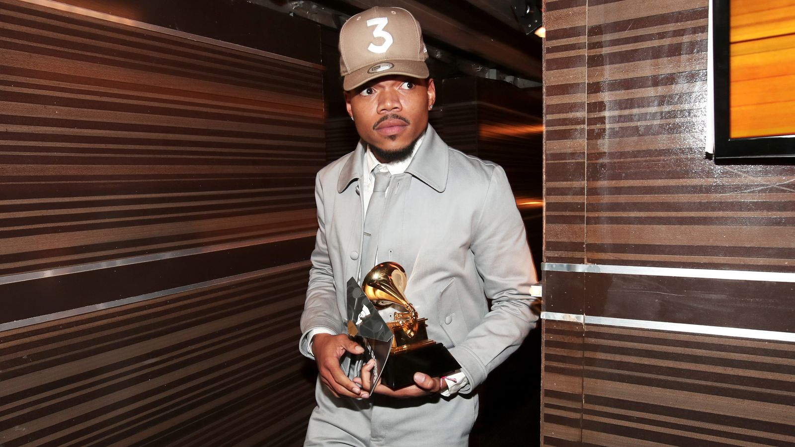 The coloring book grammy - Chance The Rapper Shouts Out Soundcloud In Grammys Acceptance Speech The Verge