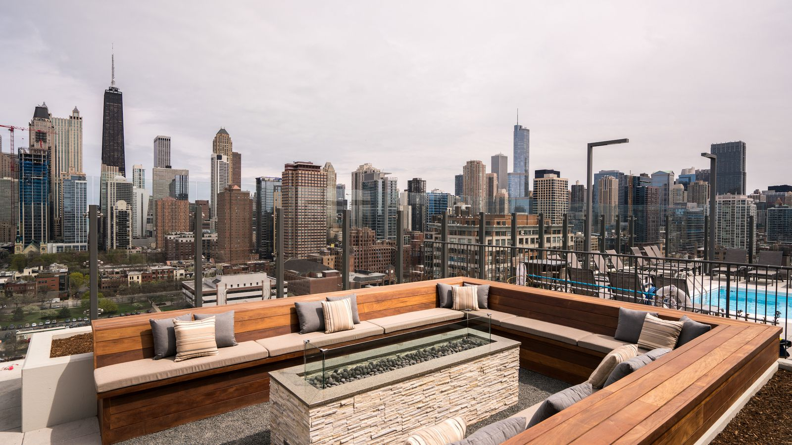 A tour of Chicago's newly-open Niche 905 Apartments ...