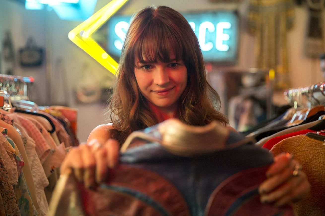 """Netflix's Girlboss is way more fun once it stops trying to prove its heroine is """"such an asshole"""""""